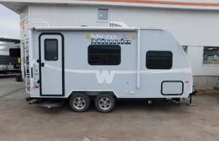 ROULOTTE WINNEBAGO 1760FB